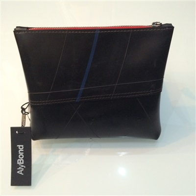 Medium Recycled Rubber Pouch